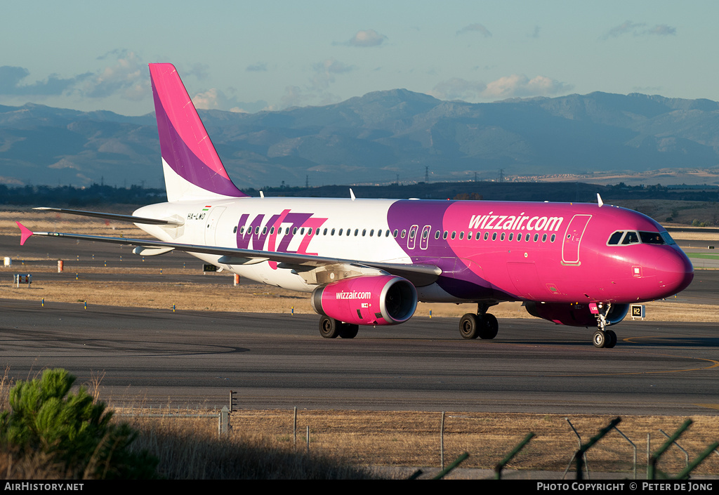 Aircraft Photo of HA-LWO | Airbus A320-232 | Wizz Air | AirHistory.net #1750