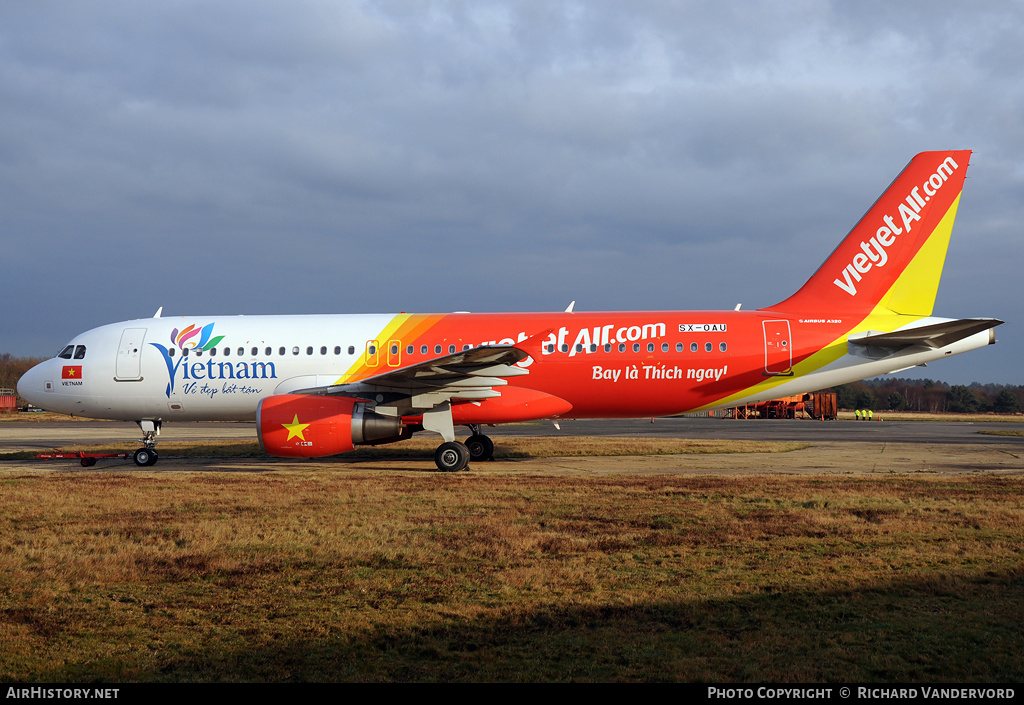 Aircraft Photo of SX-OAU | Airbus A320-214 | VietJet Air | AirHistory.net #2085