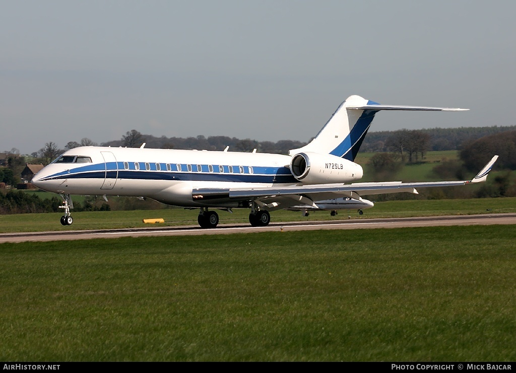 Aircraft Photo of N725LB | Bombardier Global Express (BD-700-1A10) | AirHistory.net #3177