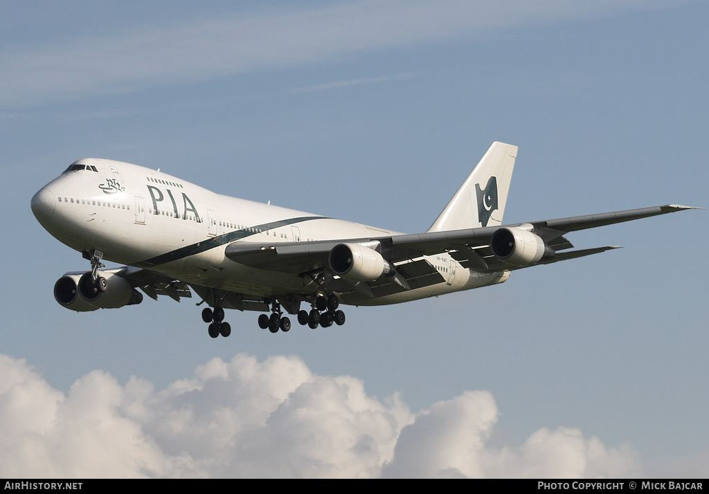 Aircraft Photo of AP-BAT | Boeing 747-240BM | Pakistan International Airlines - PIA | AirHistory.net #4848