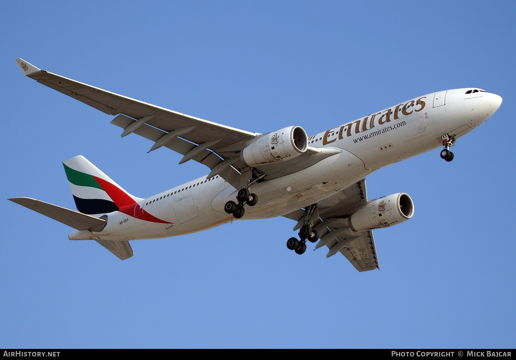 Aircraft Photo of A6-EKX | Airbus A330-243 | Emirates | AirHistory.net #7289