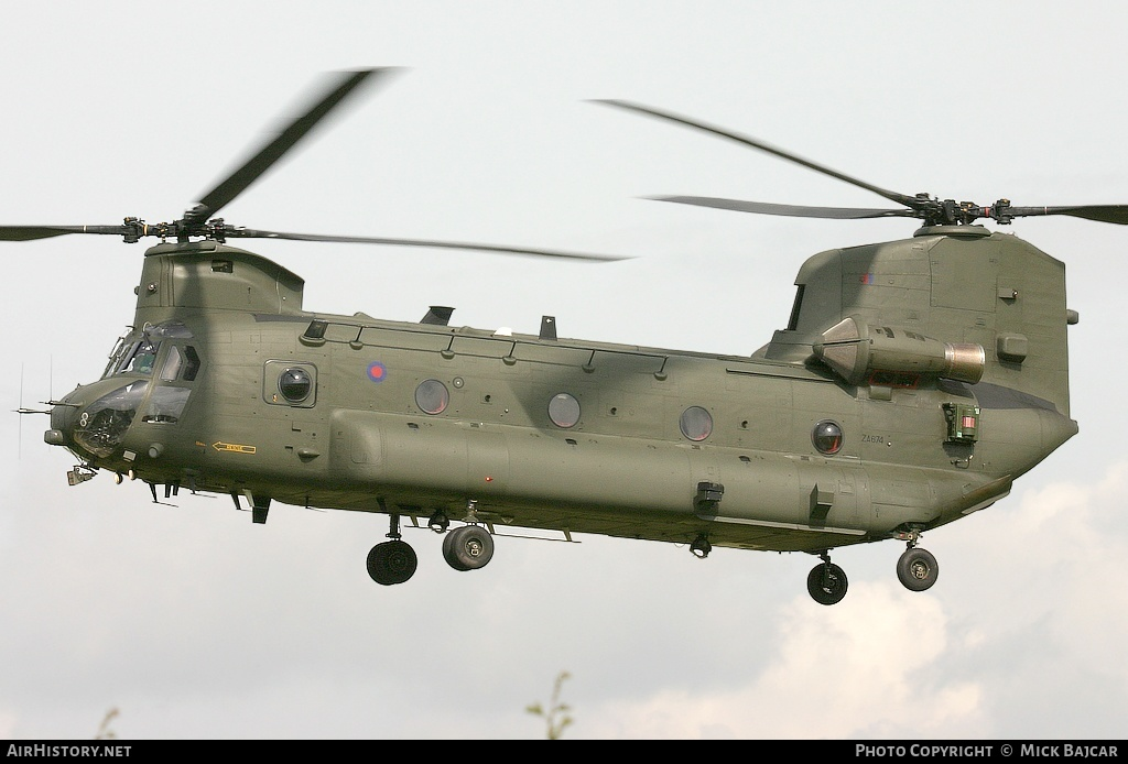 Aircraft Photo of ZA674 | Boeing Chinook HC2 (352) | UK - Air Force | AirHistory.net #26534