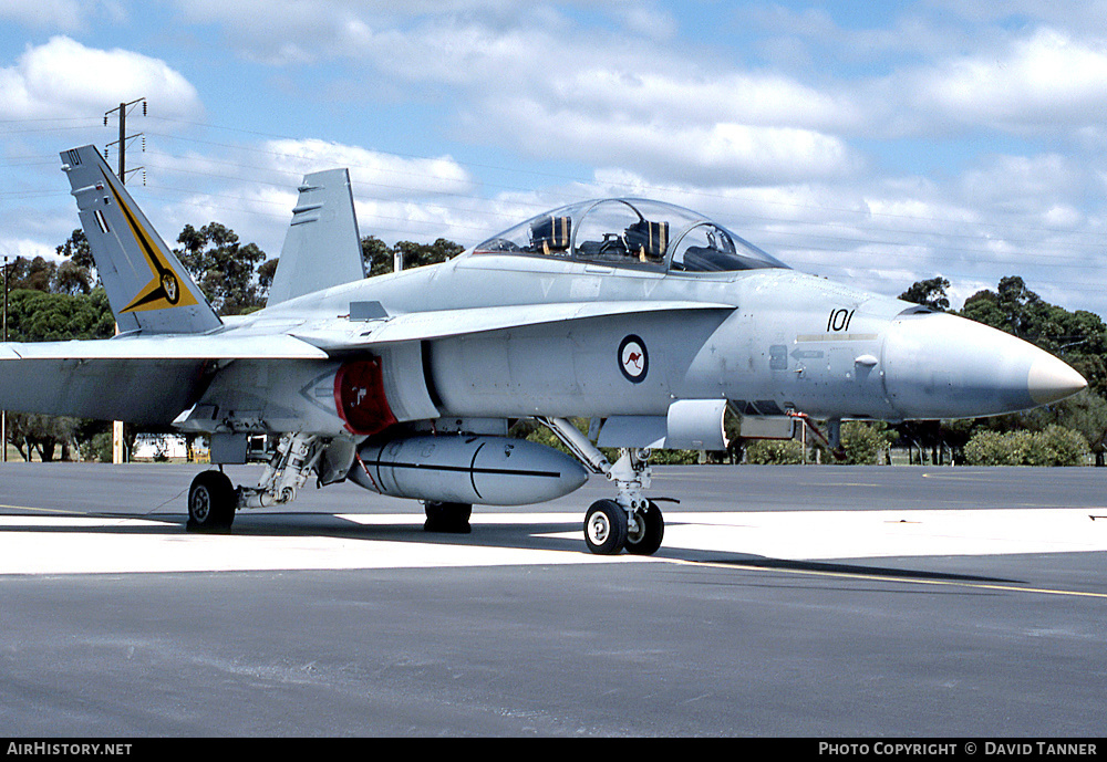 Aircraft Photo of A21-101 | McDonnell Douglas F/A-18B Hornet | Australia - Air Force | AirHistory.net #27964