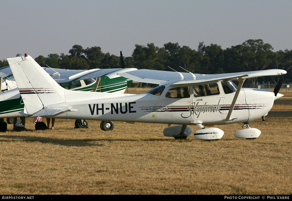 Aircraft Photo of VH-NUE | Cessna 172R Skyhawk | AirHistory.net #33418