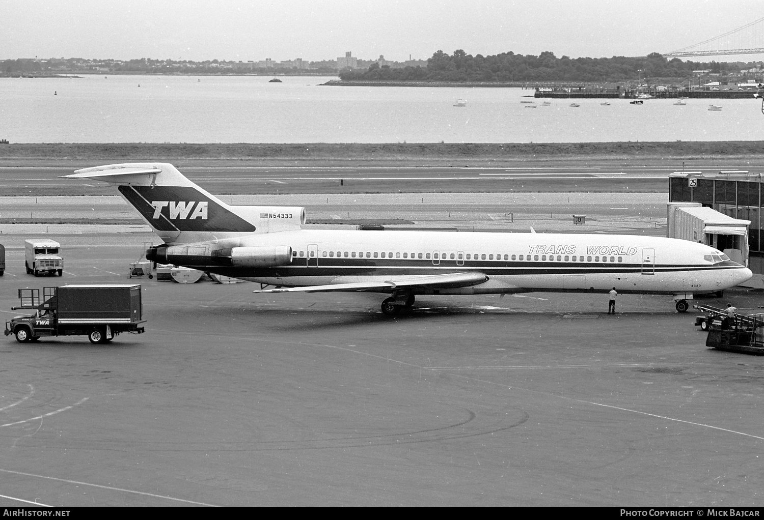 Aircraft Photo of N54333 | Boeing 727-231 | Trans World Airlines - TWA | AirHistory.net #35463