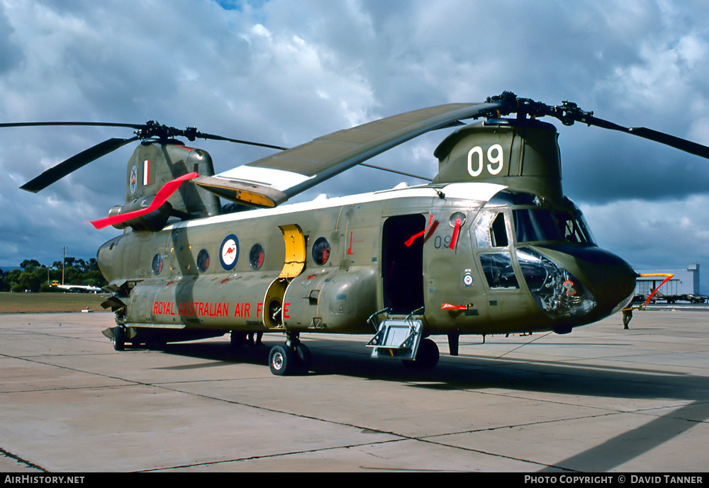 Aircraft Photo of A15-009 | Boeing CH-47C Chinook (219) | Australia - Air Force | AirHistory.net