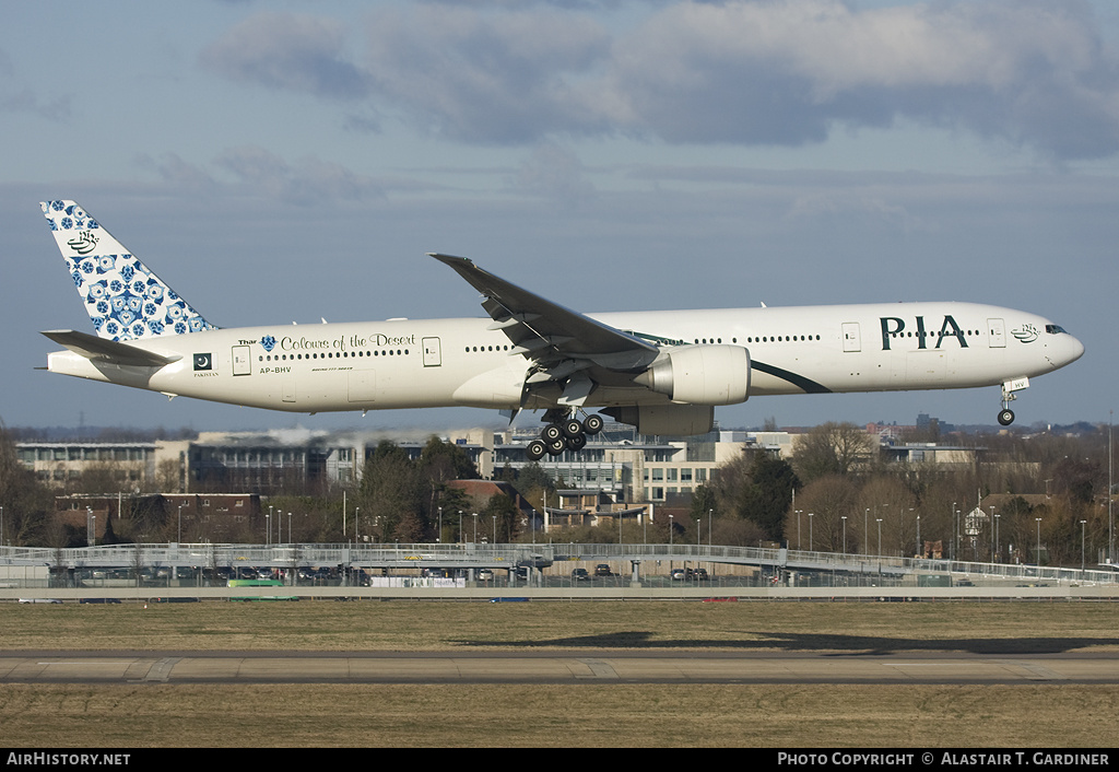 Aircraft Photo of AP-BHV | Boeing 777-340/ER | Pakistan International Airlines - PIA | AirHistory.net
