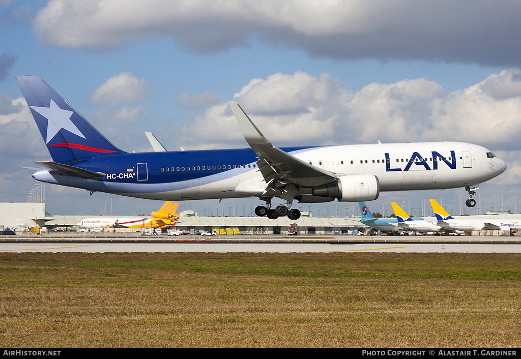 Aircraft Photo of HC-CHA | Boeing 767-316/ER | LAN Ecuador | AirHistory.net