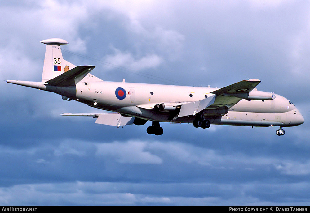 Aircraft Photo of XV235 | Hawker Siddeley Nimrod MR1 (801) | UK - Air Force | AirHistory.net