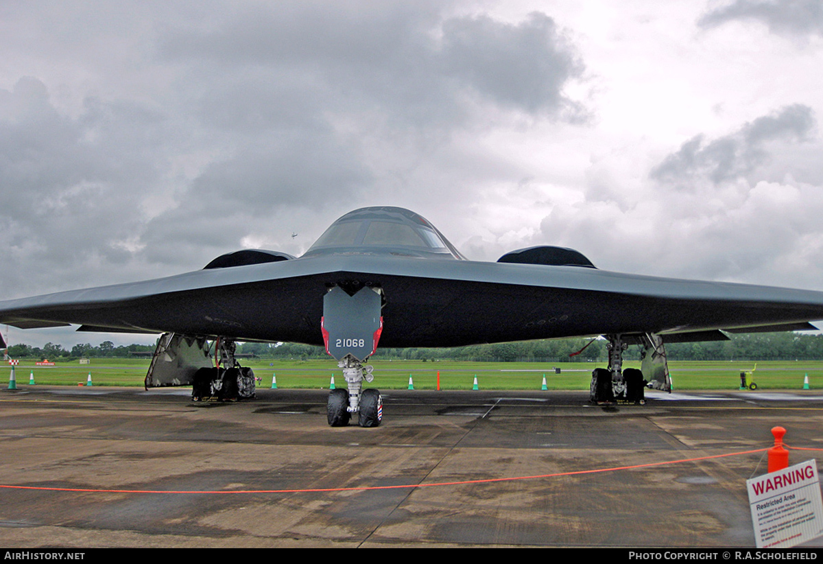 Aircraft Photo of 82-1068 | Northrop Grumman B-2A Spirit | USA - Air Force | AirHistory.net