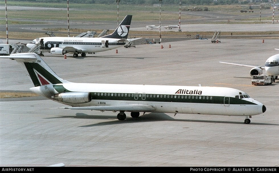 Aircraft Photo of I-RIFH | McDonnell Douglas DC-9-32 | Alitalia | AirHistory.net