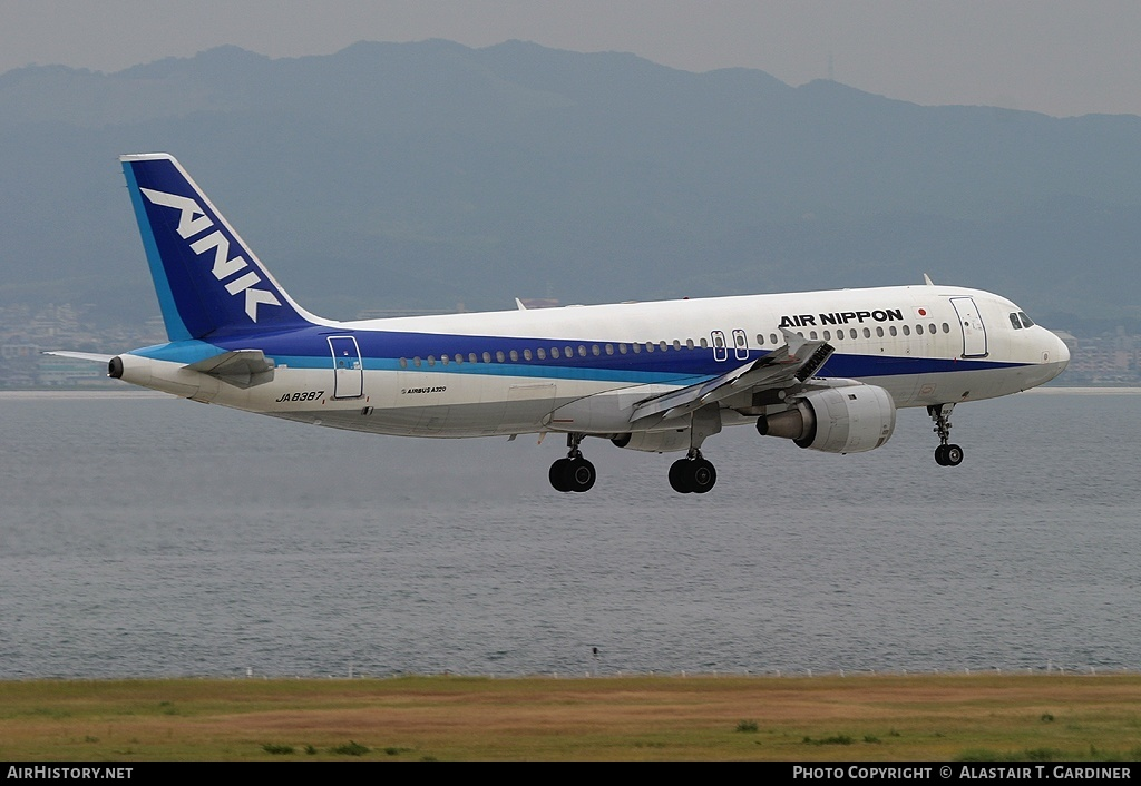 Aircraft Photo of JA8387 | Airbus A320-211 | Air Nippon - ANK | AirHistory.net #44851