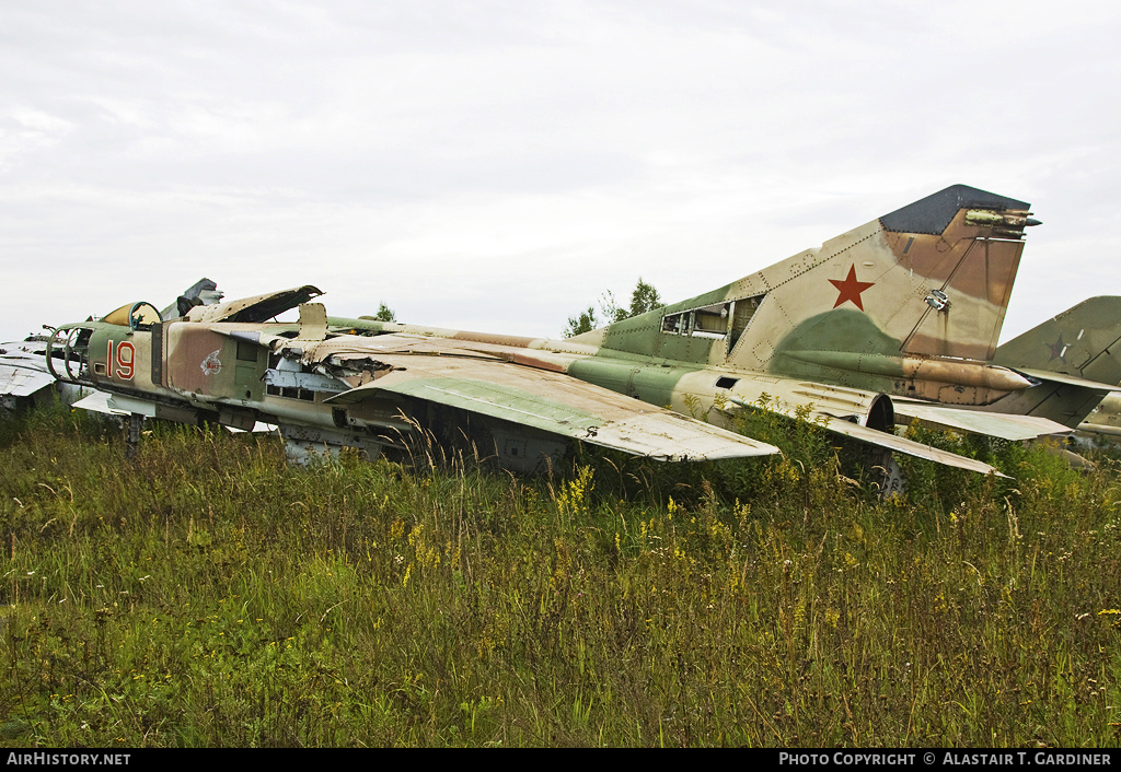 Aircraft Photo of 19 red | Mikoyan-Gurevich MiG-23ML | Russia - Air Force | AirHistory.net #45235