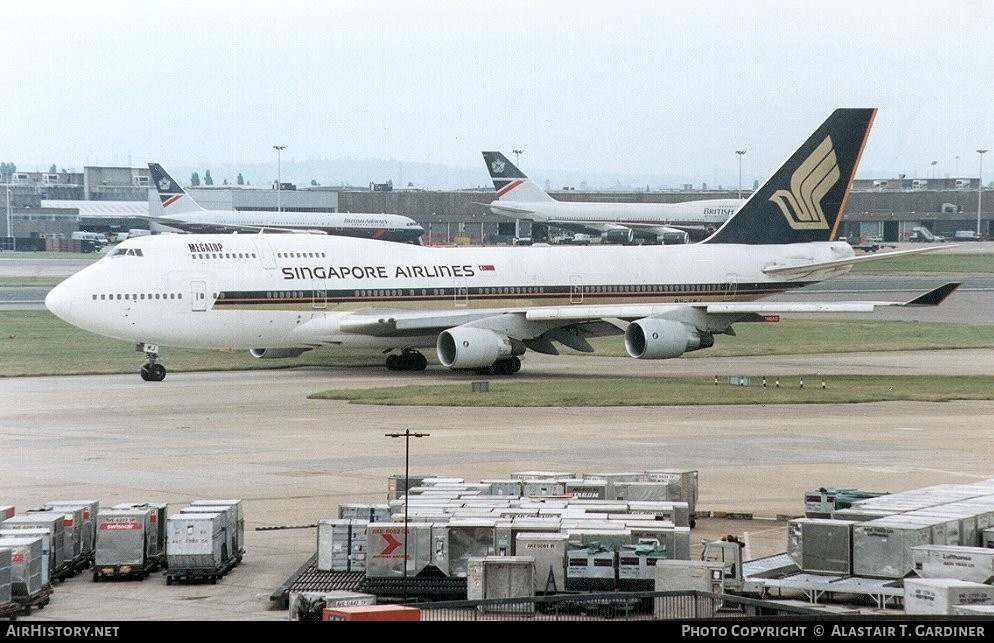 Aircraft Photo of 9V-SMJ | Boeing 747-412 | Singapore Airlines | AirHistory.net #50517
