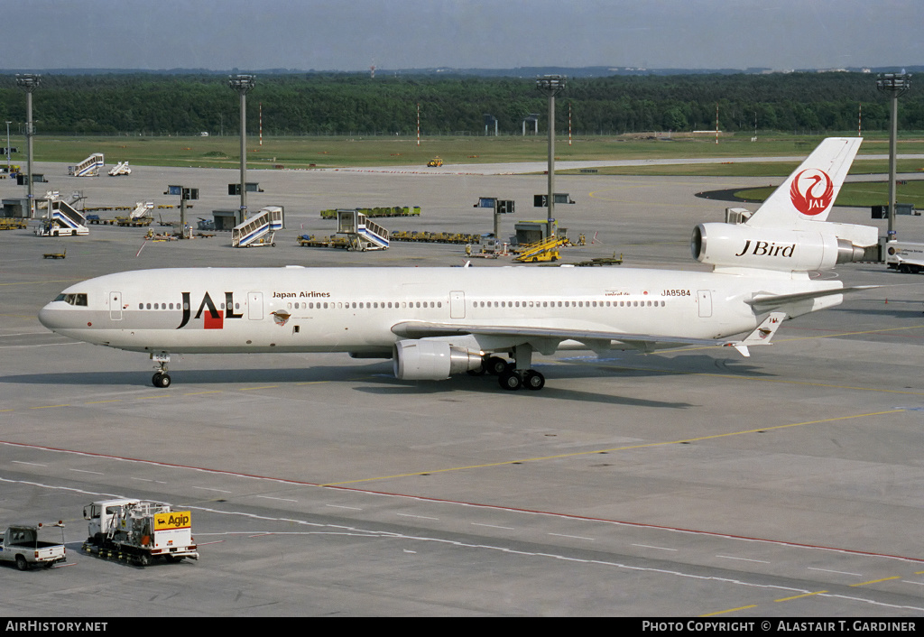Aircraft Photo of JA8584 | McDonnell Douglas MD-11 | Japan Airlines - JAL | AirHistory.net #51267