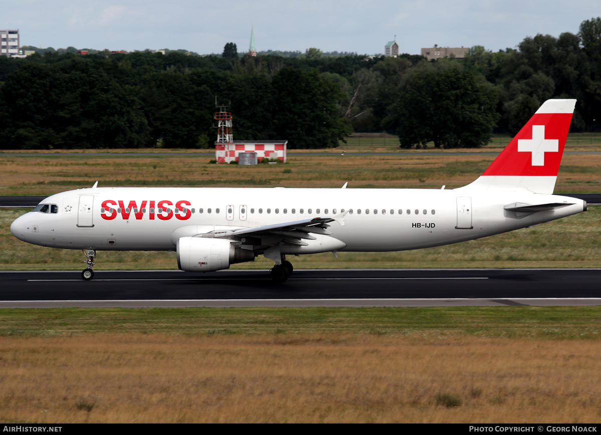 Aircraft Photo of HB-IJD | Airbus A320-214 | Swiss International Air Lines | AirHistory.net #56393