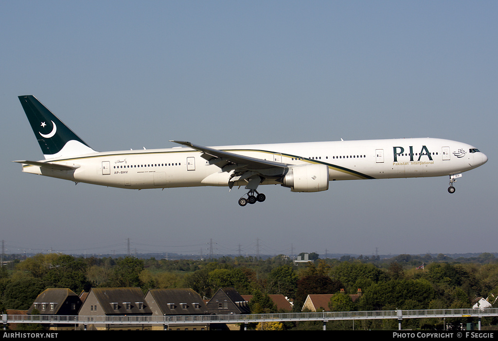 Aircraft Photo of AP-BHV | Boeing 777-340/ER | Pakistan International Airlines - PIA | AirHistory.net #56556