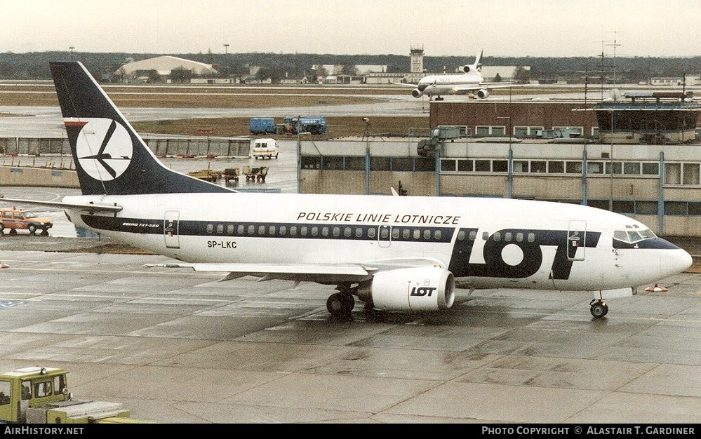 Aircraft Photo of SP-LKC | Boeing 737-55D | LOT Polish Airlines - Polskie Linie Lotnicze | AirHistory.net #56830