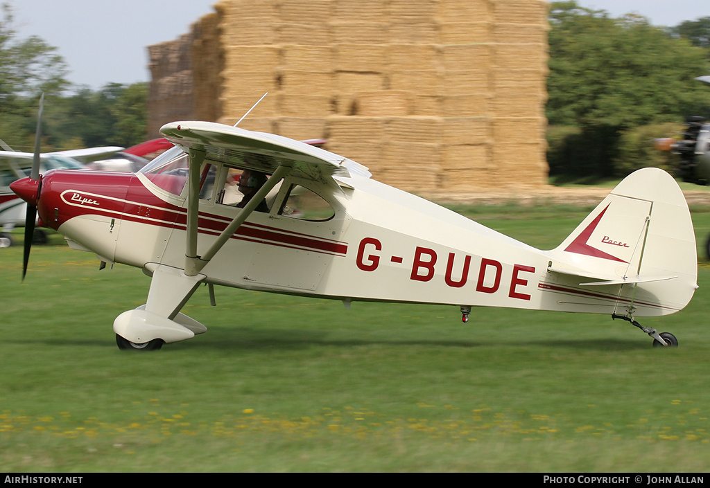 Aircraft Photo of G-BUDE | Piper PA-22-135 Tri-Pacer | AirHistory.net #84797