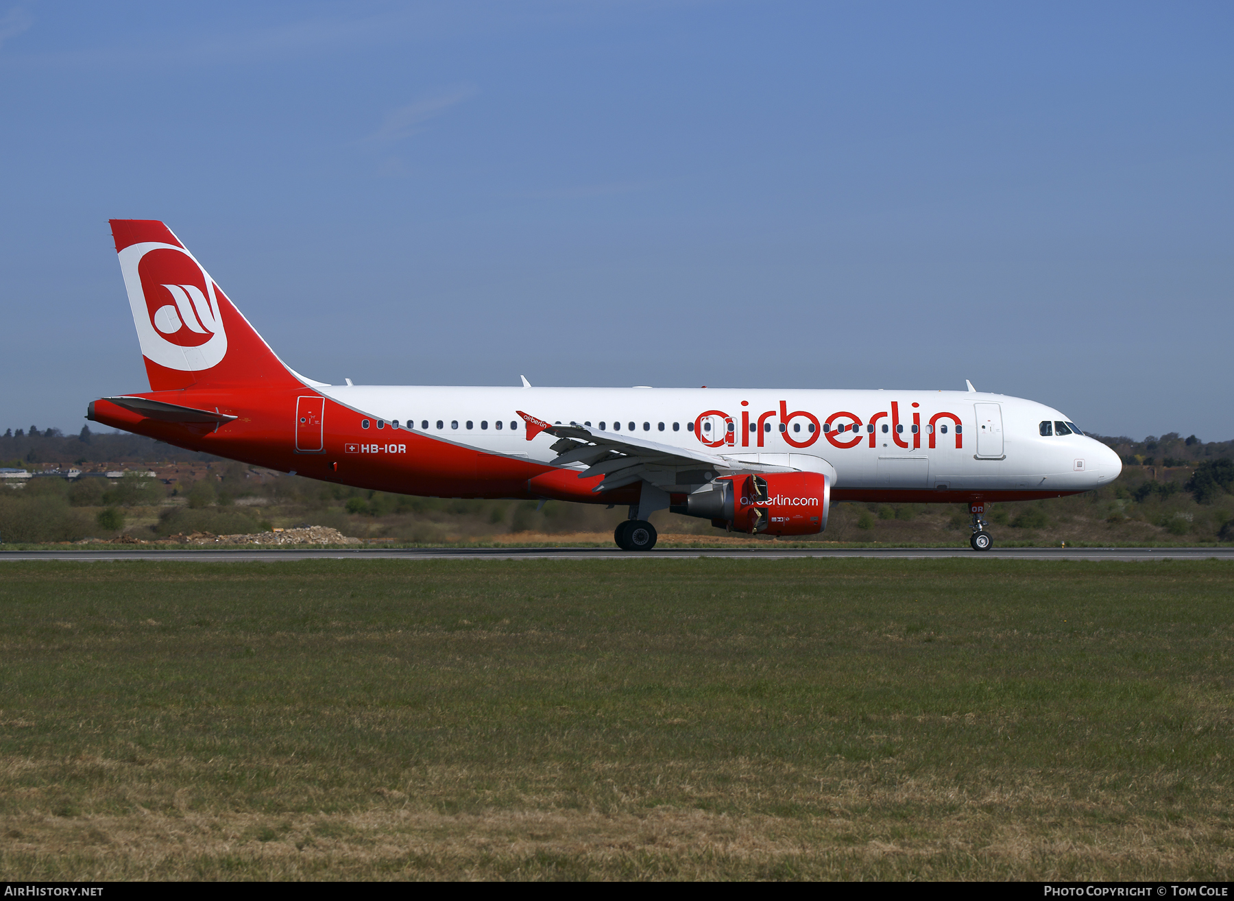 Aircraft Photo of HB-IOR | Airbus A320-214 | Air Berlin | AirHistory.net #85070