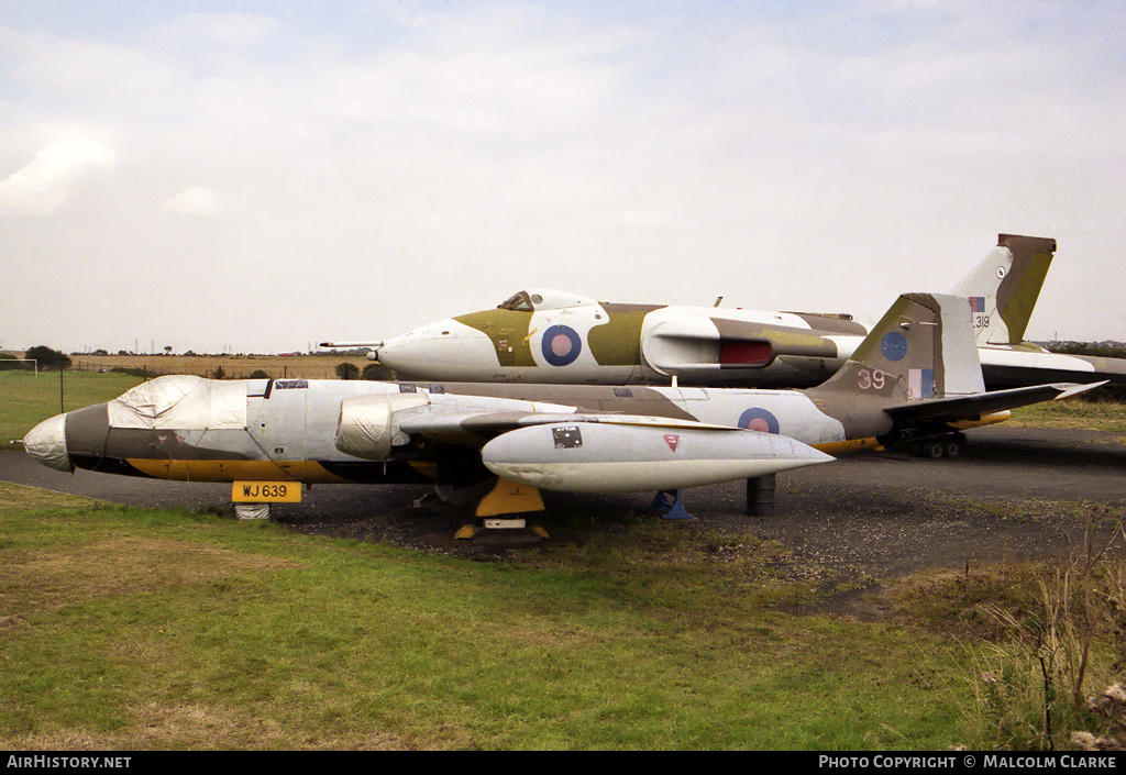 Aircraft Photo of WJ639 | English Electric Canberra TT18 | UK - Air Force | AirHistory.net #86574