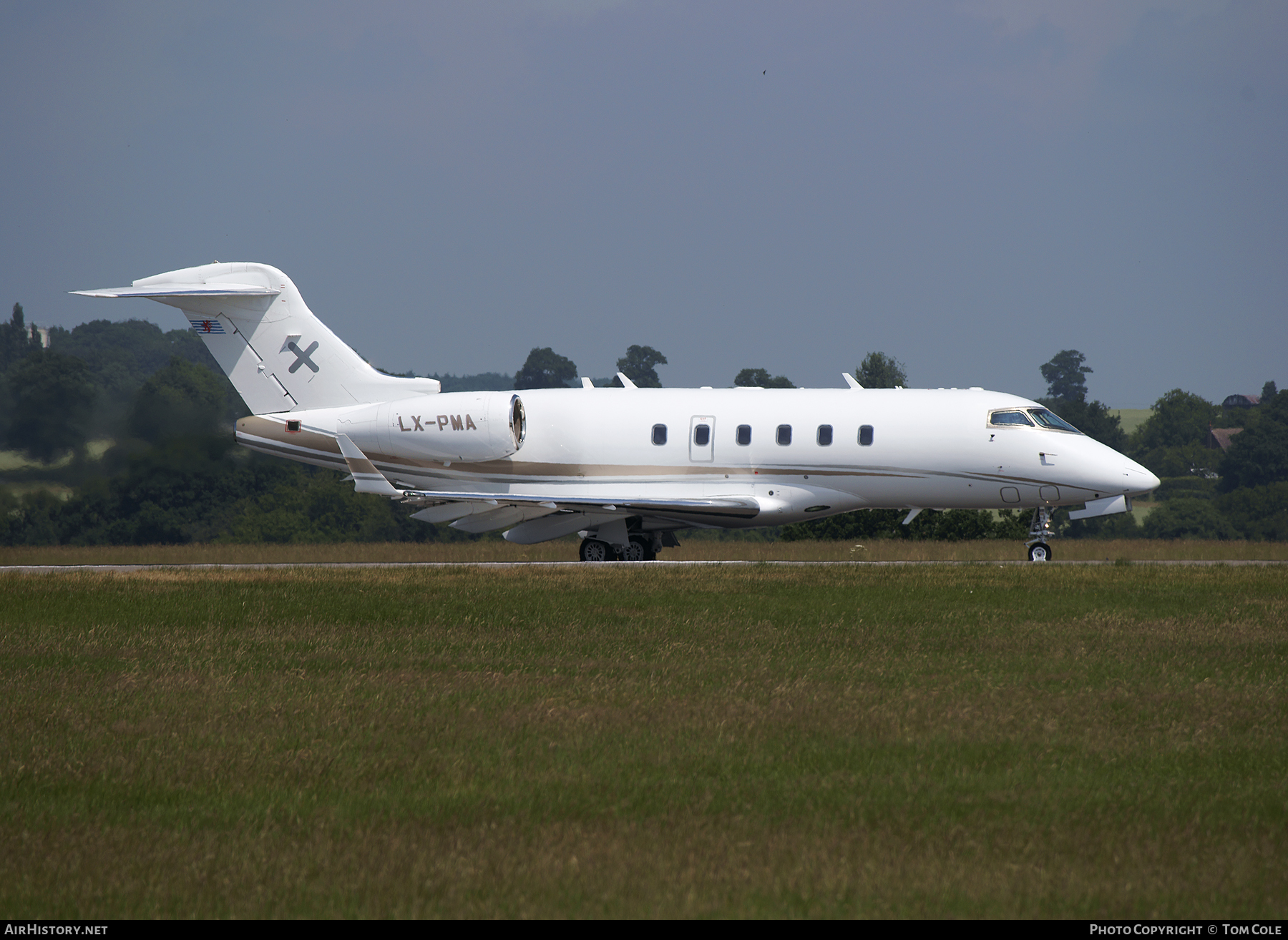 Aircraft Photo of LX-PMA | Bombardier Challenger 300 (BD-100-1A10) | AirHistory.net #87012
