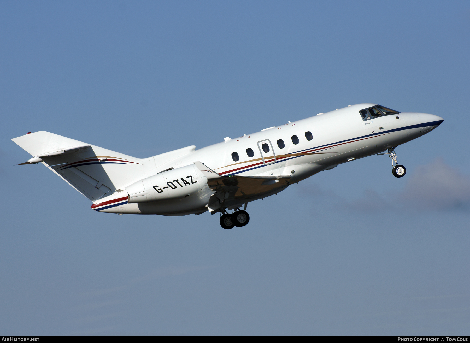 Aircraft Photo of G-OTAZ | Hawker Beechcraft 900XP | AirHistory.net