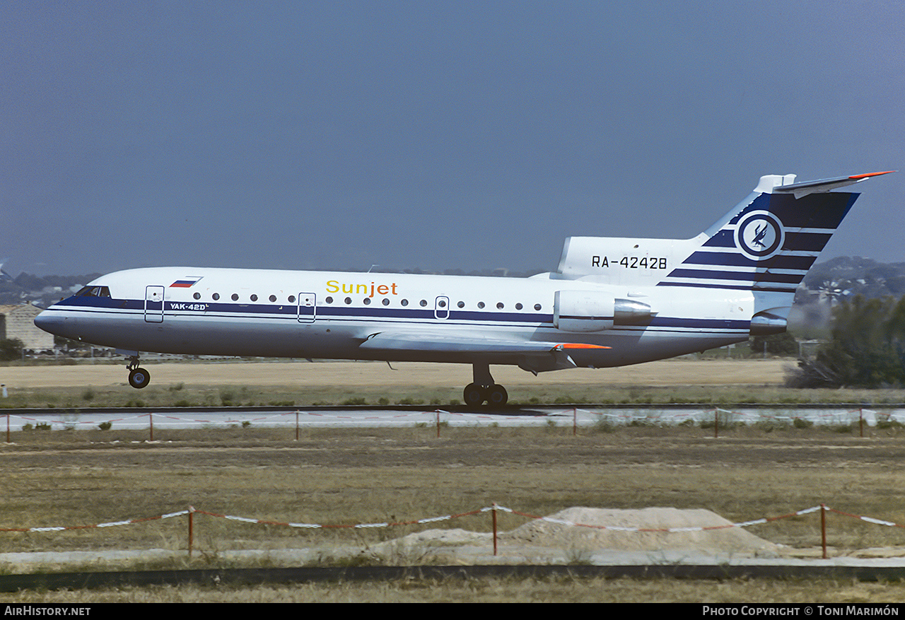 Aircraft Photo of RA-42428 | Yakovlev Yak-42D | Sunjet | AirHistory.net #98654