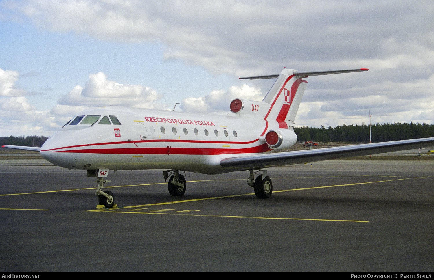 Aircraft Photo of 047 | Yakovlev Yak-40 | Republic of Poland - Rzeczpospolita Polska | AirHistory.net