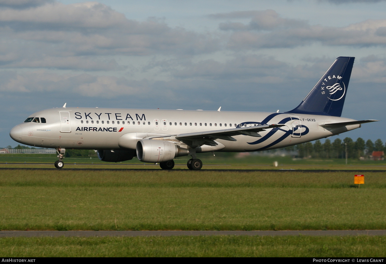 Aircraft Photo of F-GKXS | Airbus A320-214 | Air France | AirHistory.net #106437