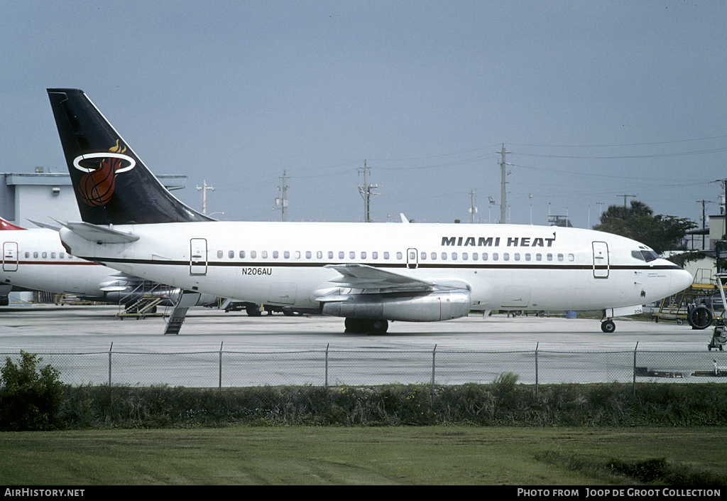 Aircraft Photo of N206AU | Boeing 737-201 | Miami Heat | AirHistory.net #121379