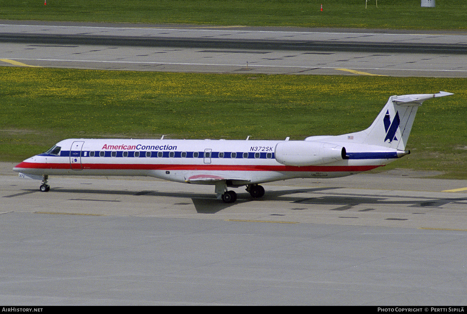 Aircraft Photo of N372SK | Embraer ERJ-140LR (EMB-135KL) | American Connection | AirHistory.net