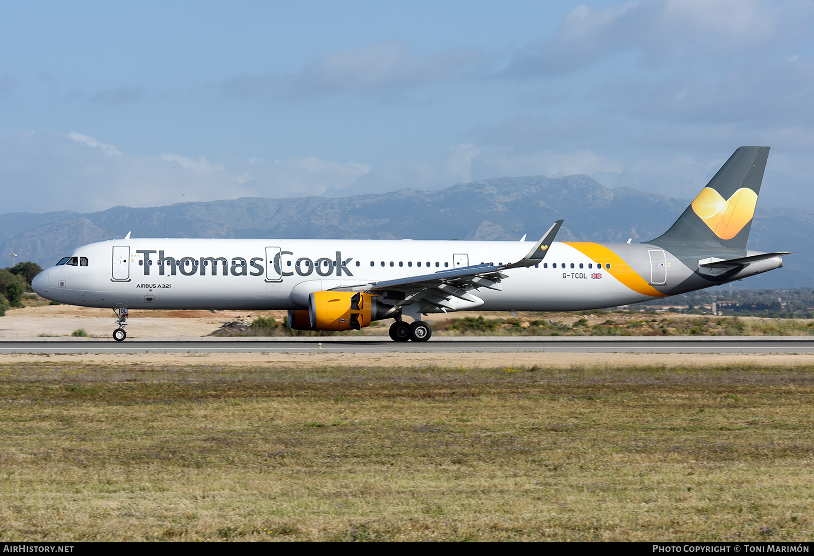 Aircraft Photo of G-TCDL | Airbus A321-211 | Thomas Cook Airlines | AirHistory.net #140488