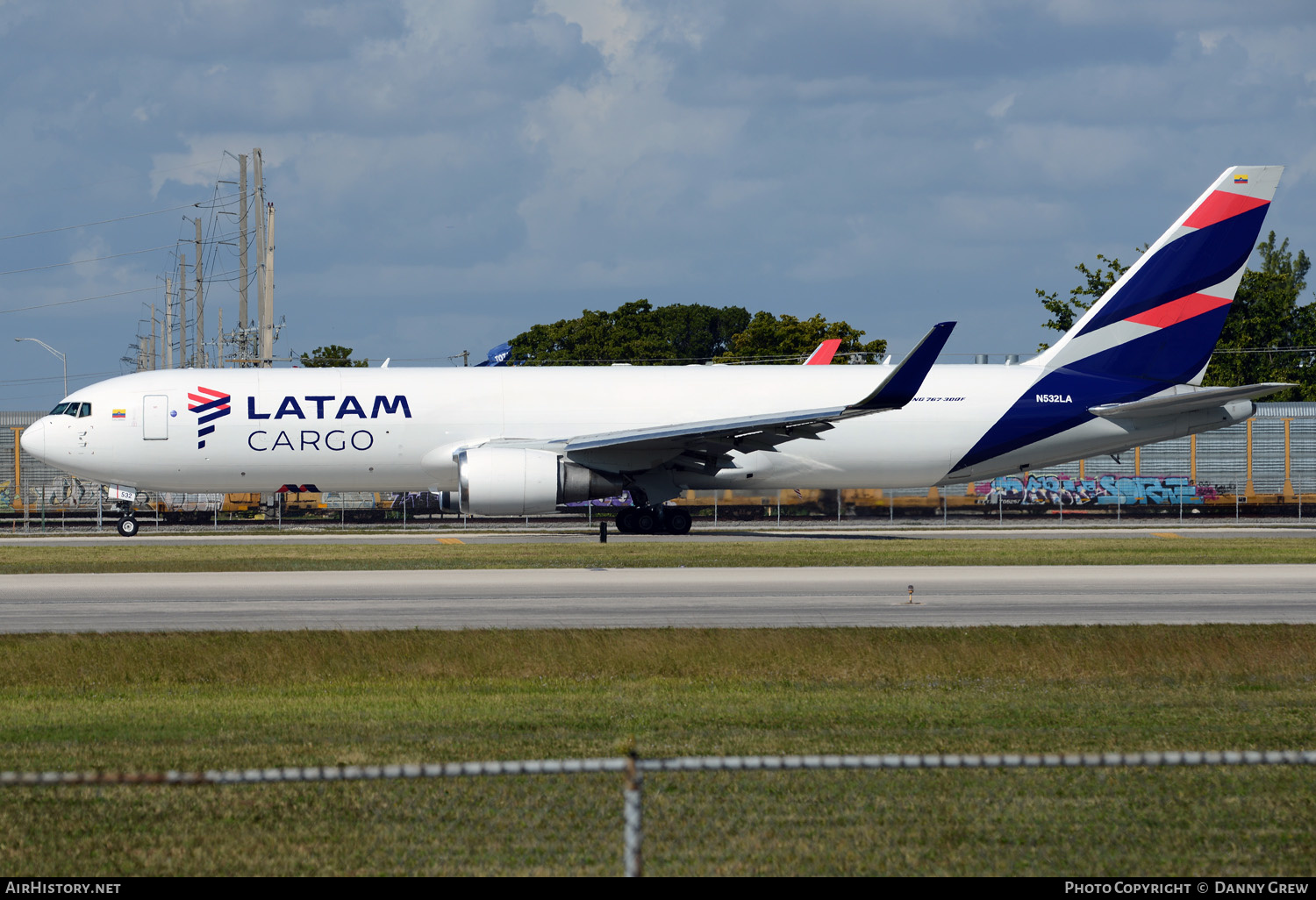 Aircraft Photo of N532LA | Boeing 767-316F/ER | LATAM Cargo | AirHistory.net #151874