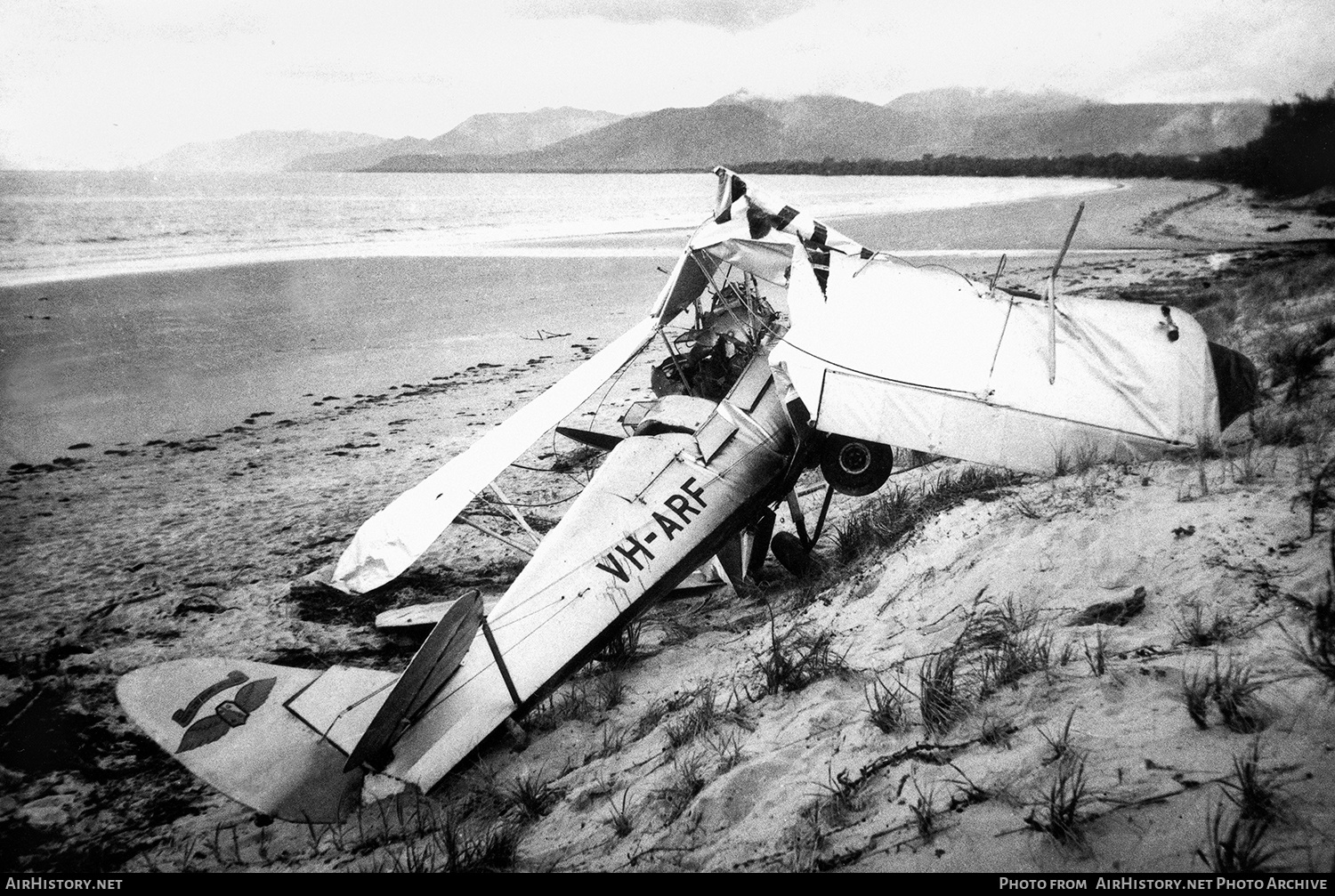 Aircraft Photo of VH-ARF | De Havilland D.H. 82A Tiger Moth | Royal Queensland Aero Club | AirHistory.net #151907