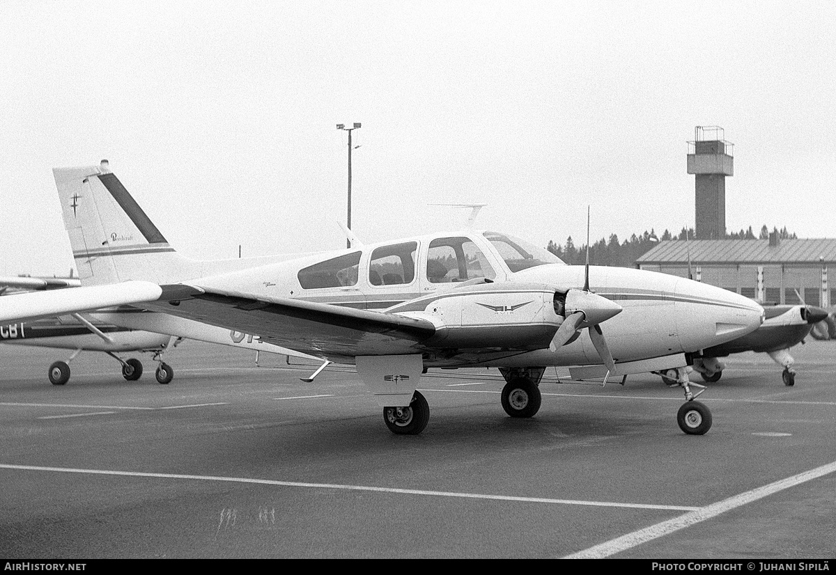 Aircraft Photo of OH-BBB | Beech D55 Baron | AirHistory.net #155194