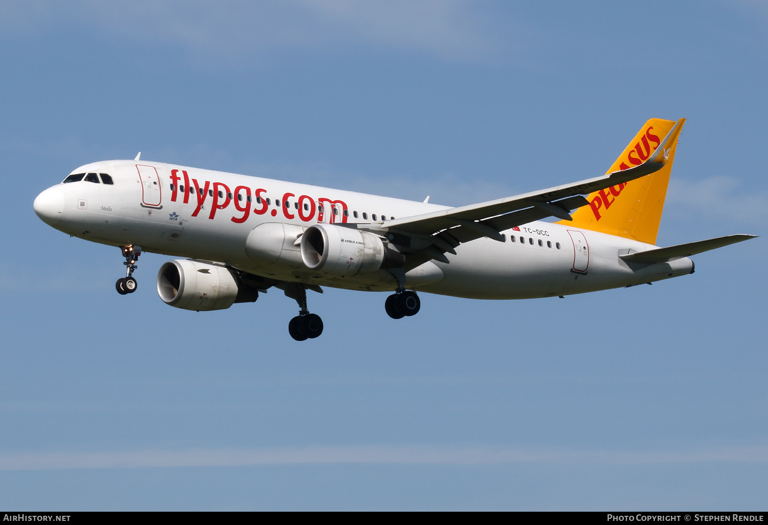 Aircraft Photo of TC-DCC | Airbus A320-214 | Pegasus Airlines | AirHistory.net