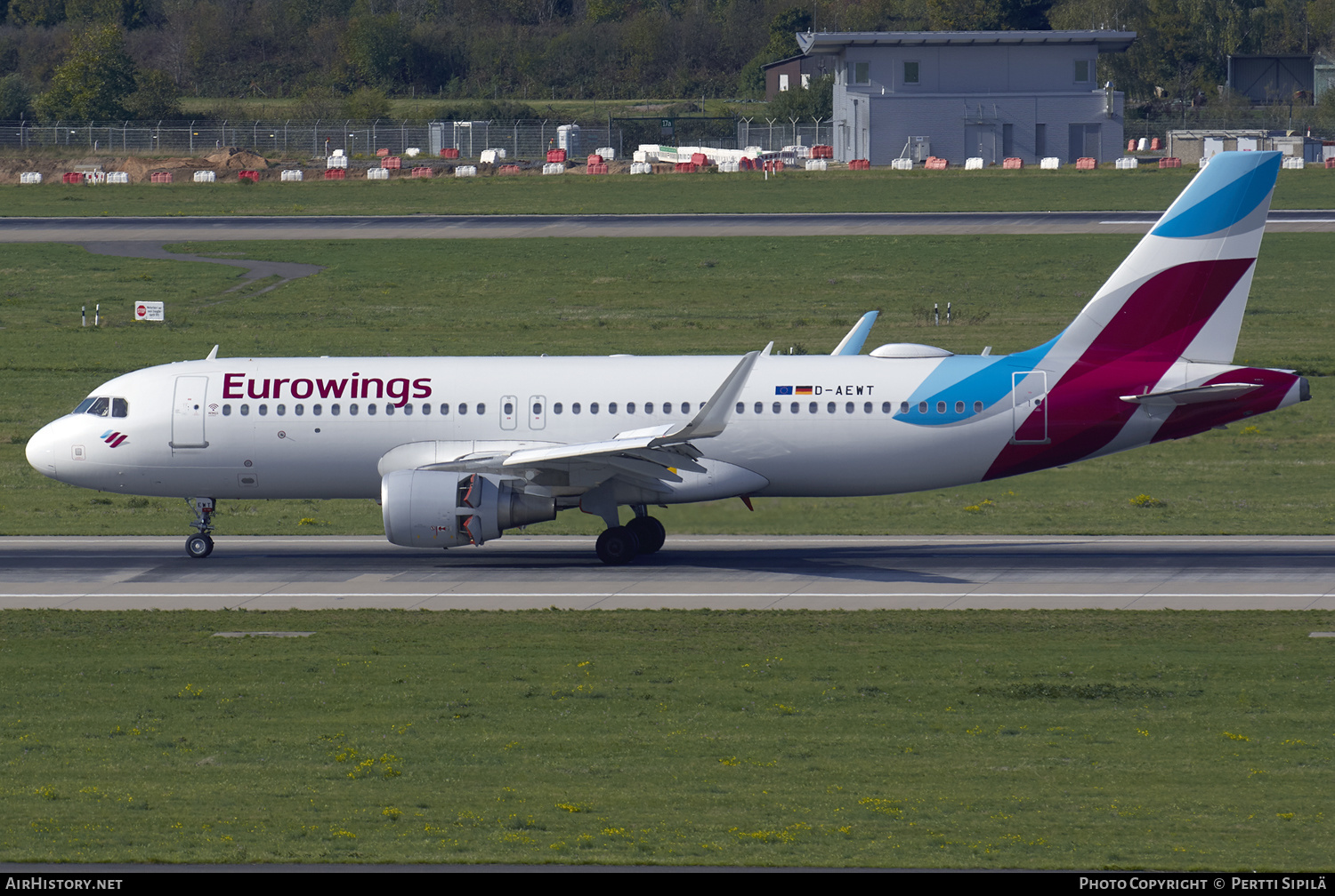 Aircraft Photo of D-AEWT | Airbus A320-214 | Eurowings | AirHistory.net #180398