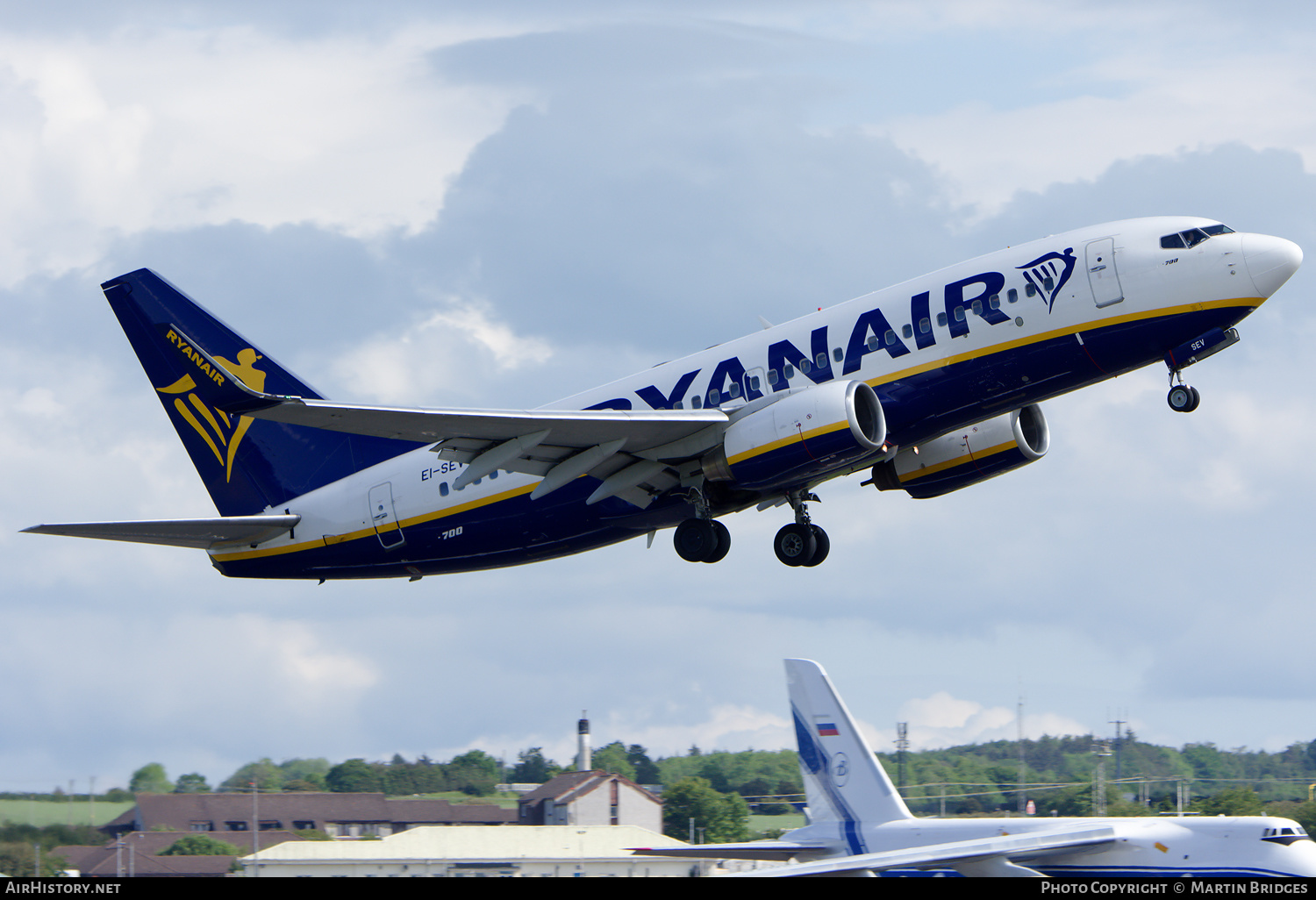 Aircraft Photo of EI-SEV | Boeing 737-73S | Ryanair | AirHistory.net #181259