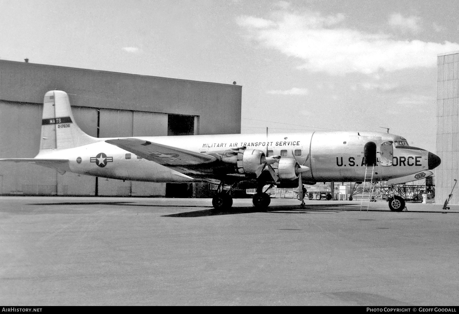 Aircraft Photo of 51-17636 / 0-17636 | Douglas C-118A Liftmaster (DC-6A) | USA - Air Force | AirHistory.net #182698