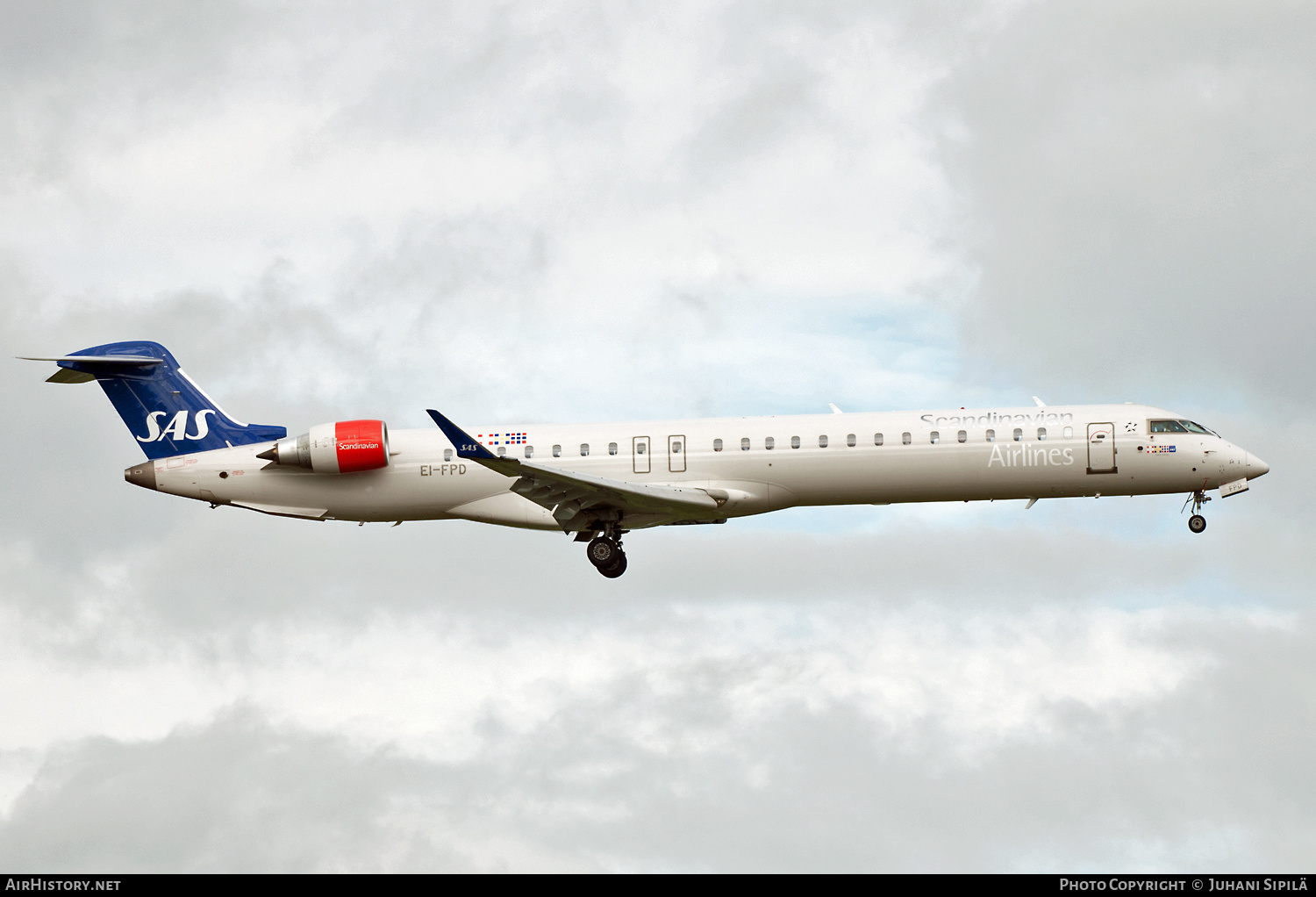 Aircraft Photo of EI-FPD | Bombardier CRJ-900LR (CL-600-2D24) | Scandinavian Airlines - SAS | AirHistory.net #183927