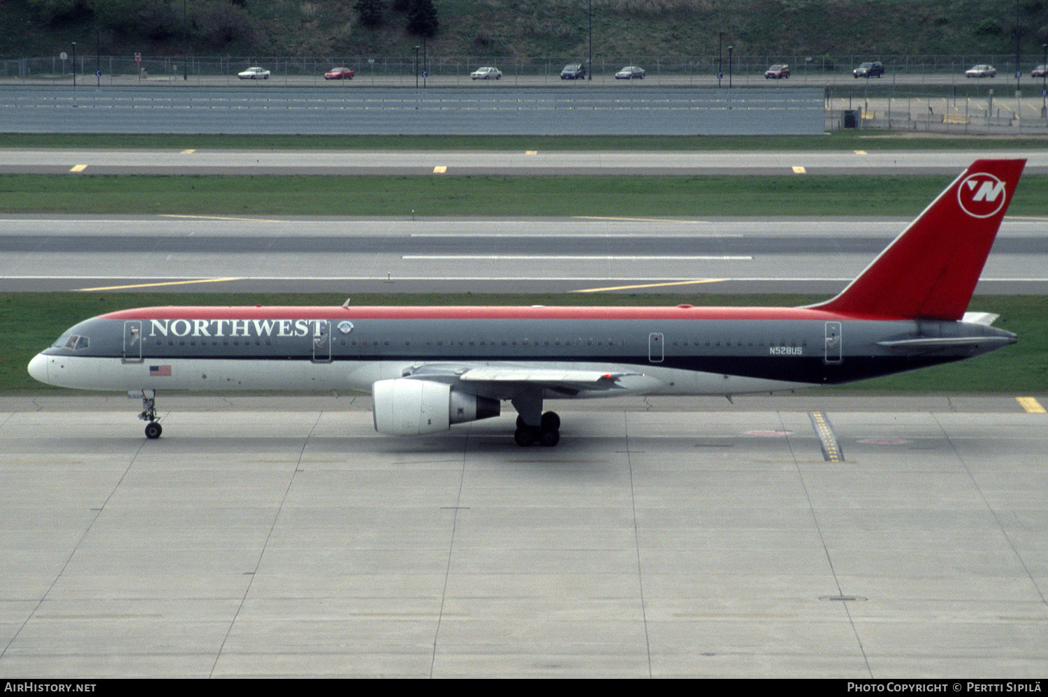 Aircraft Photo of N528US | Boeing 757-251 | Northwest Airlines | AirHistory.net #184290