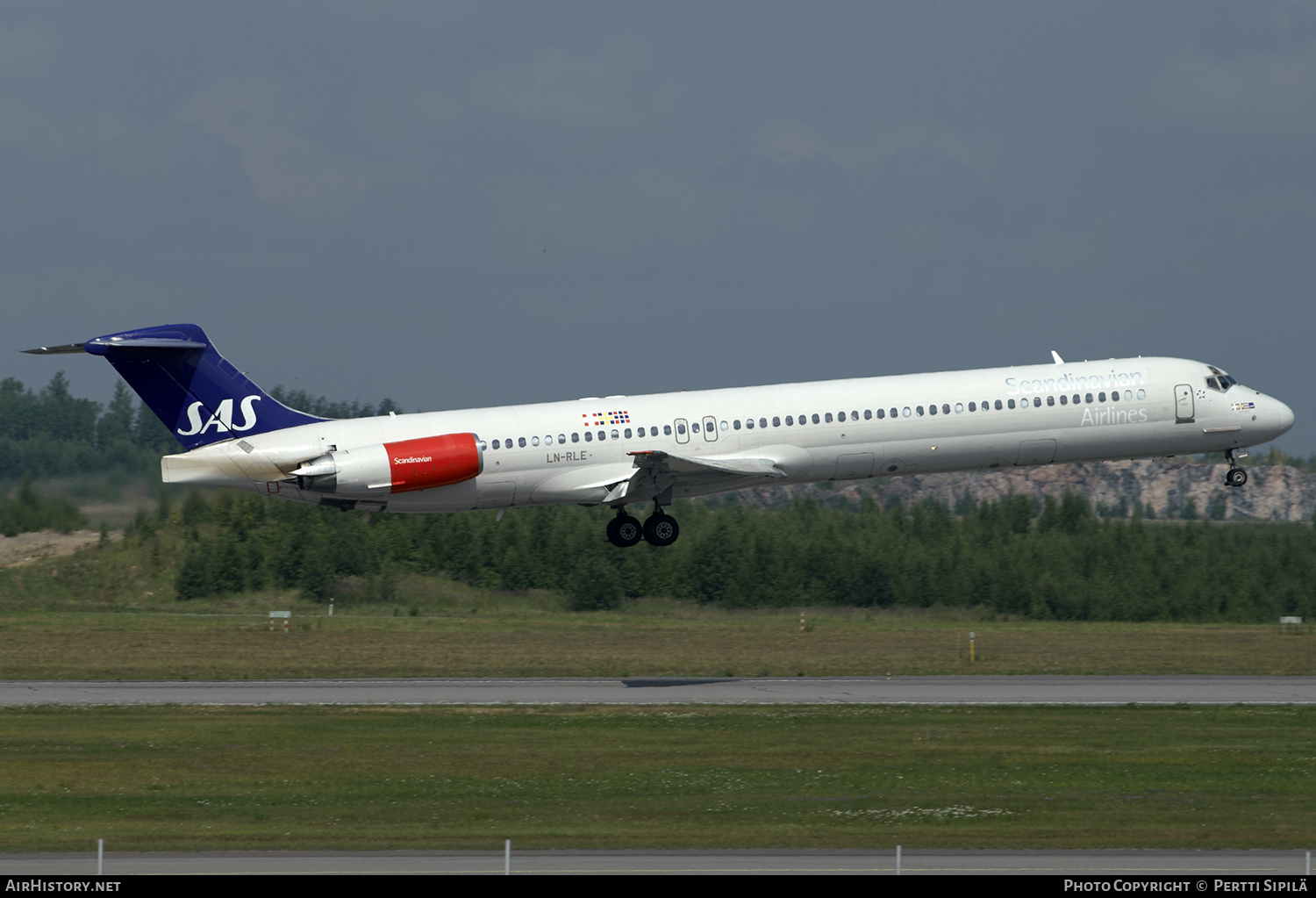 Aircraft Photo of LN-RLE | McDonnell Douglas MD-82 (DC-9-82) | Scandinavian Airlines - SAS | AirHistory.net #200868