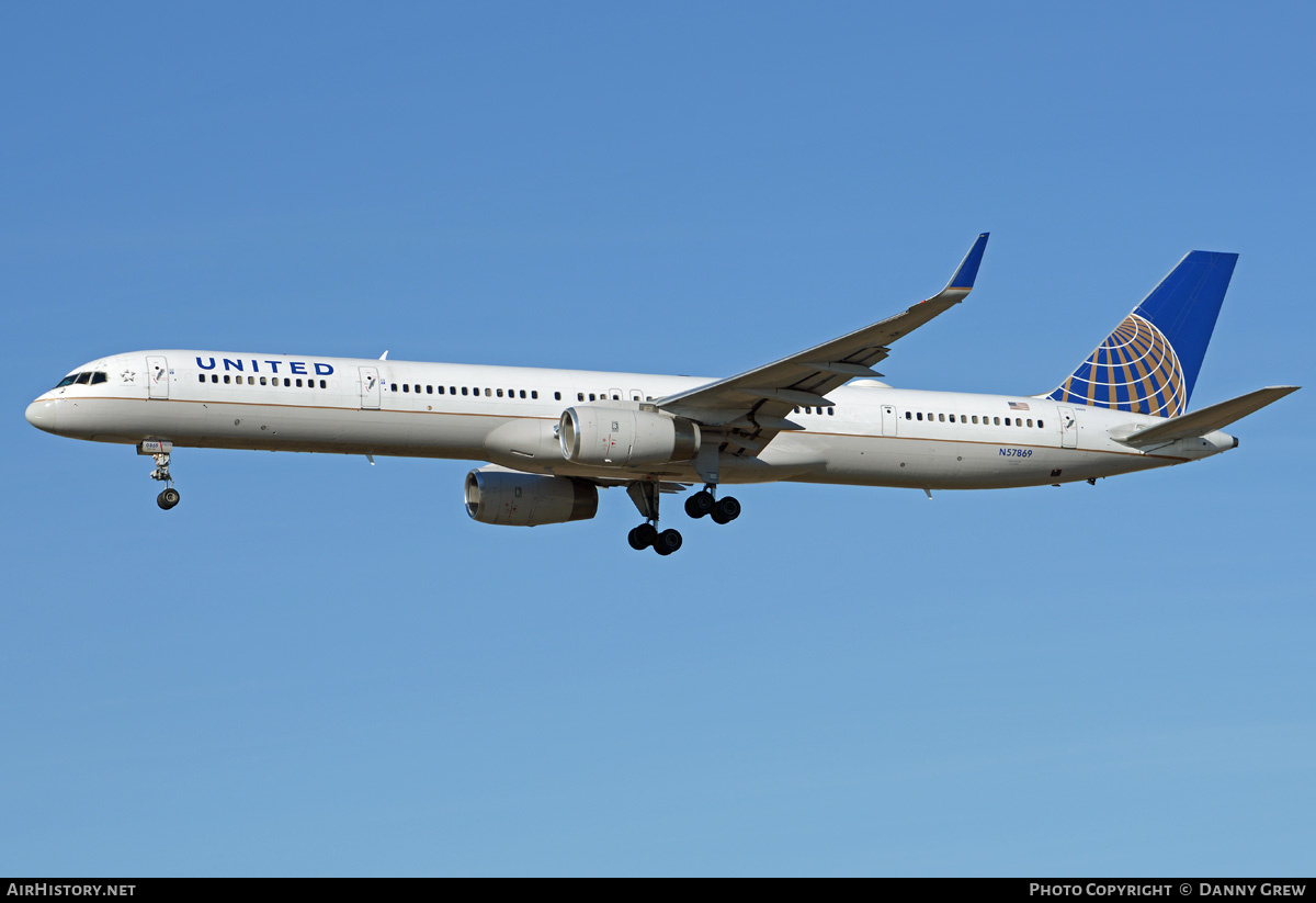Aircraft Photo of N57869 | Boeing 757-33N | United Airlines | AirHistory.net #203005