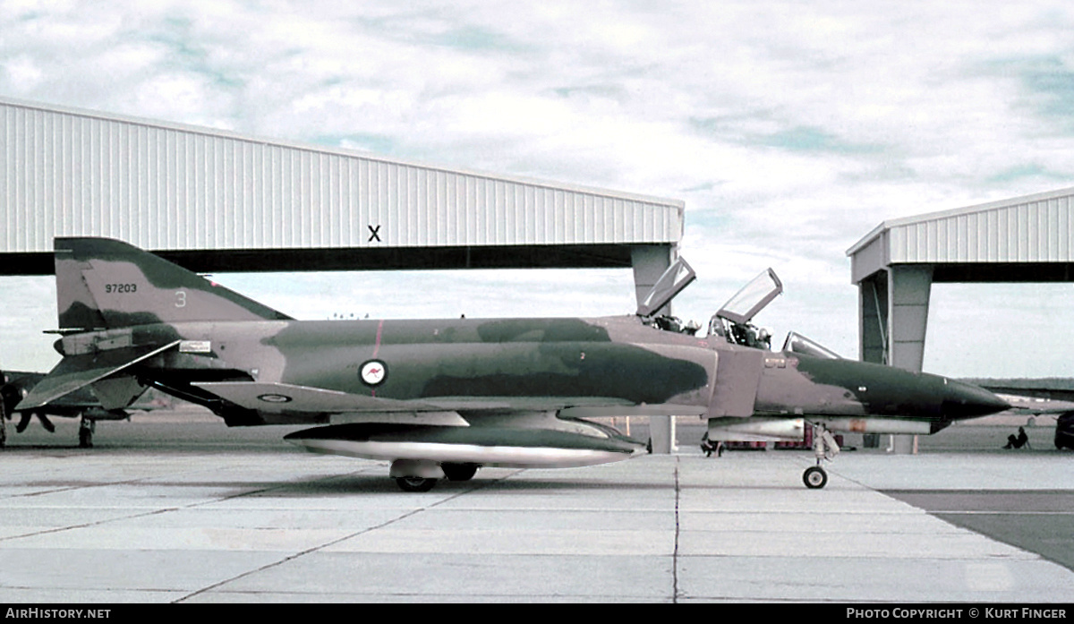 Aircraft Photo of 69-7203 | McDonnell Douglas F-4E Phantom II | Australia - Air Force | AirHistory.net #204955