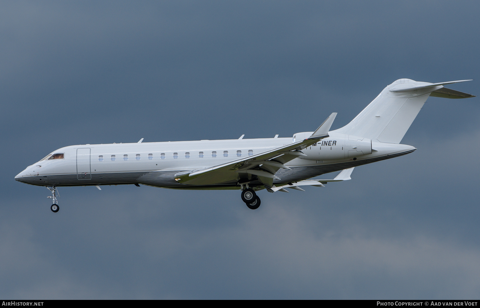 Aircraft Photo of M-INER | Bombardier Global 6000 (BD-700-1A10) | AirHistory.net #231268