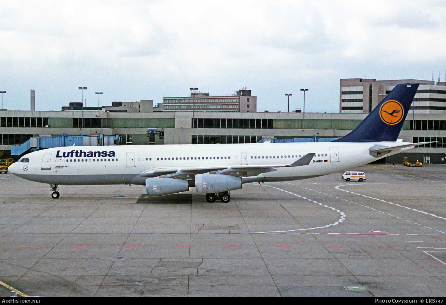 Aircraft Photo of D-AIBC | Airbus A340-211 | Lufthansa | AirHistory.net #231912