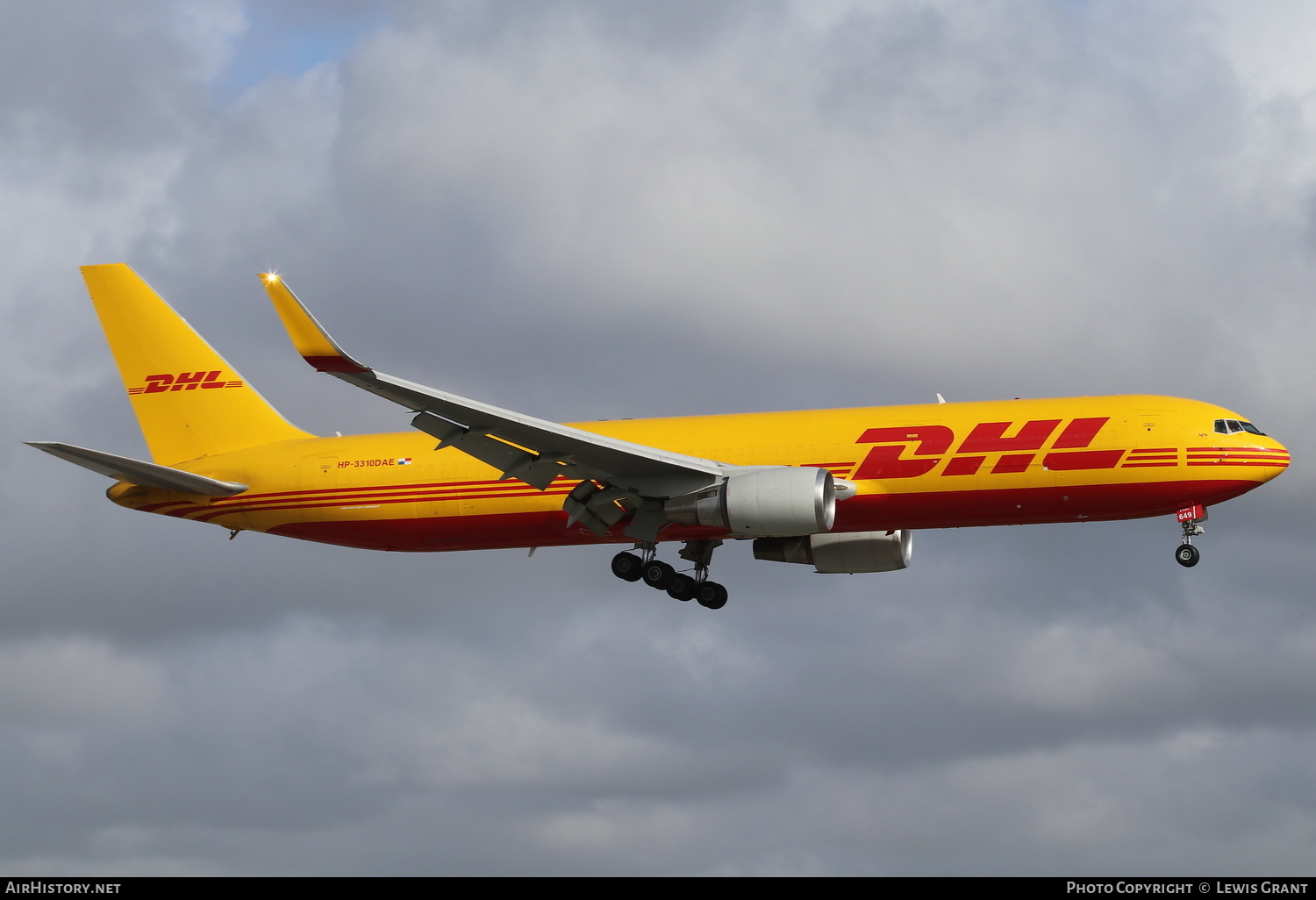 Aircraft Photo of HP-3310DAE | Boeing 767-304/ER(BDSF) | DHL International | AirHistory.net #232088