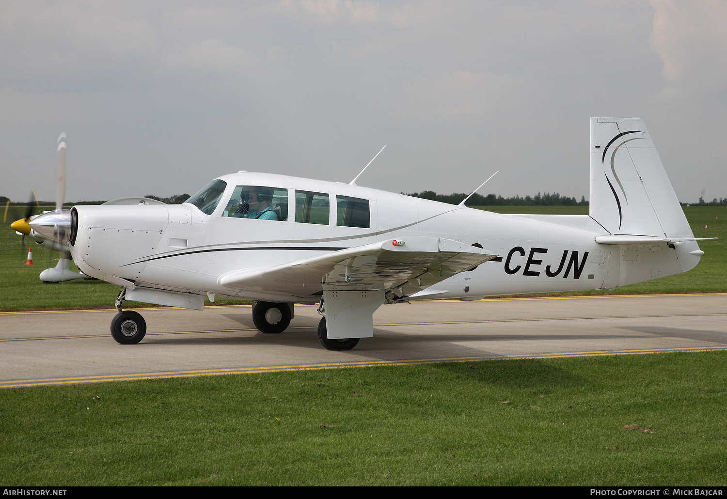 Aircraft Photo of G-CEJN | Mooney M-20F Executive 21 | AirHistory.net #233603