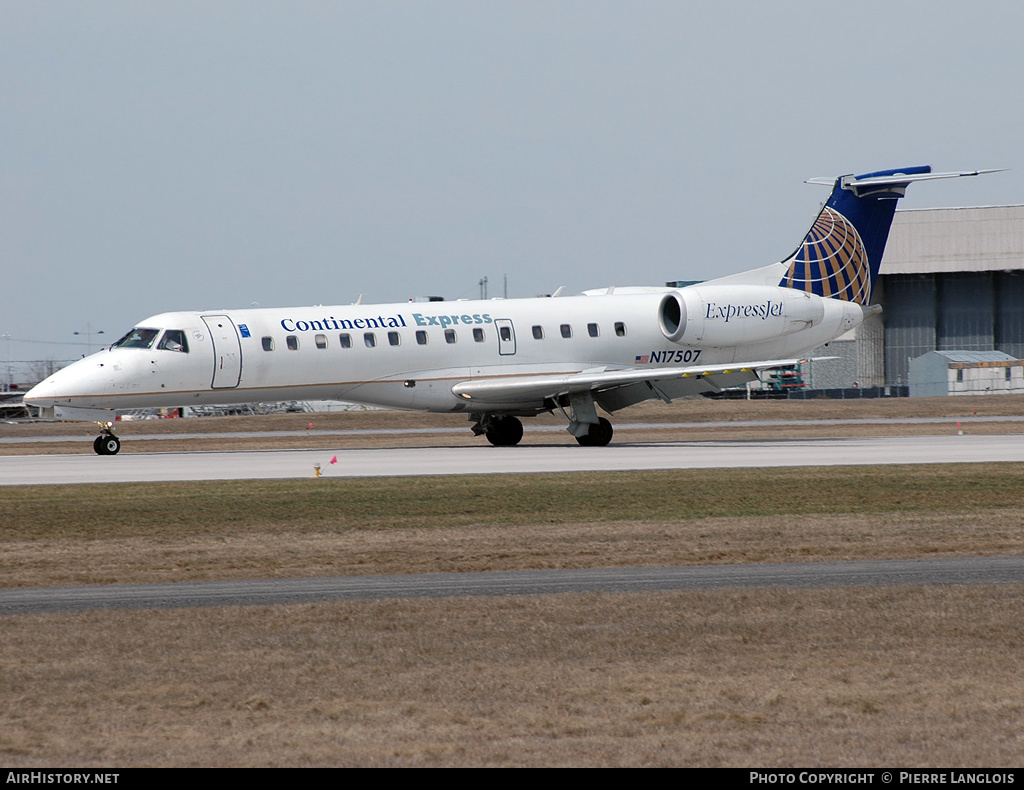 Aircraft Photo of N17507 | Embraer ERJ-135ER (EMB-135ER) | Continental Express | AirHistory.net #237303
